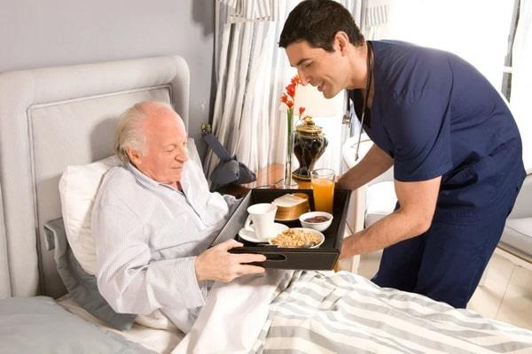 питание лежачих больных