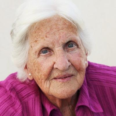 Больная деменцией после инсульта