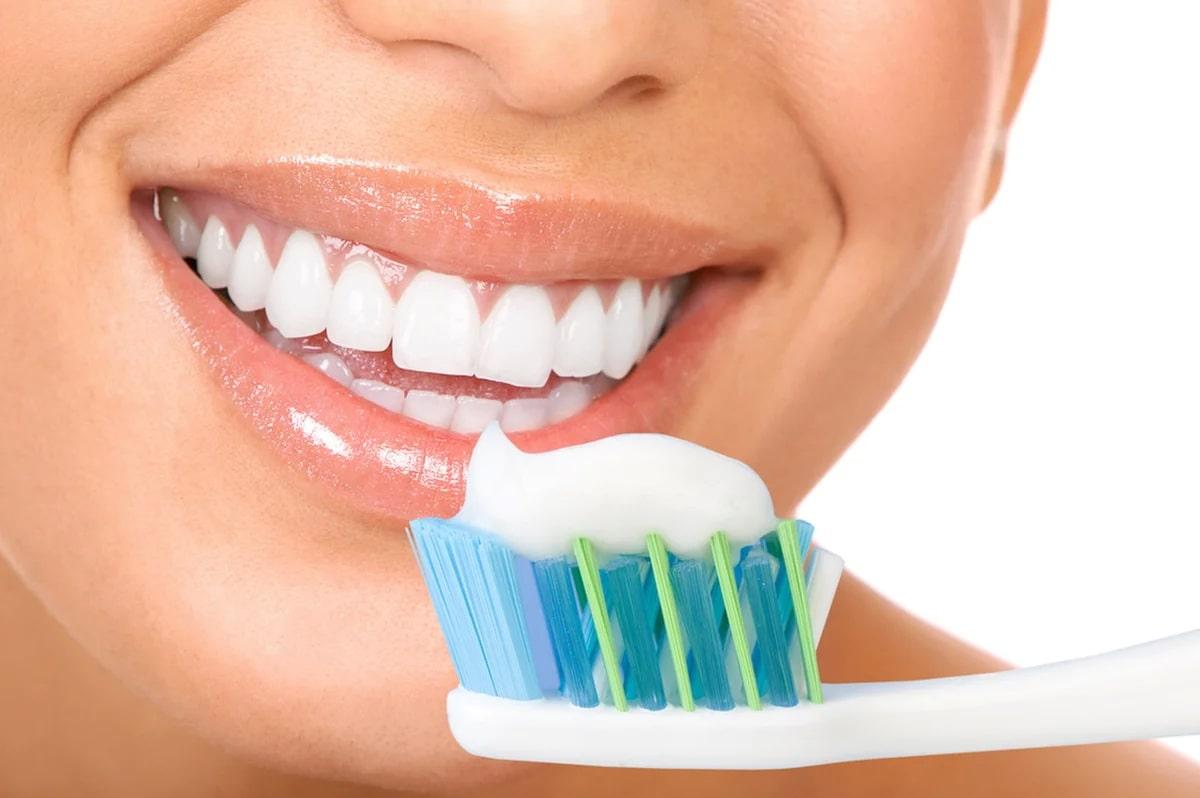regulyarnaya-chistka-zubov.jpg