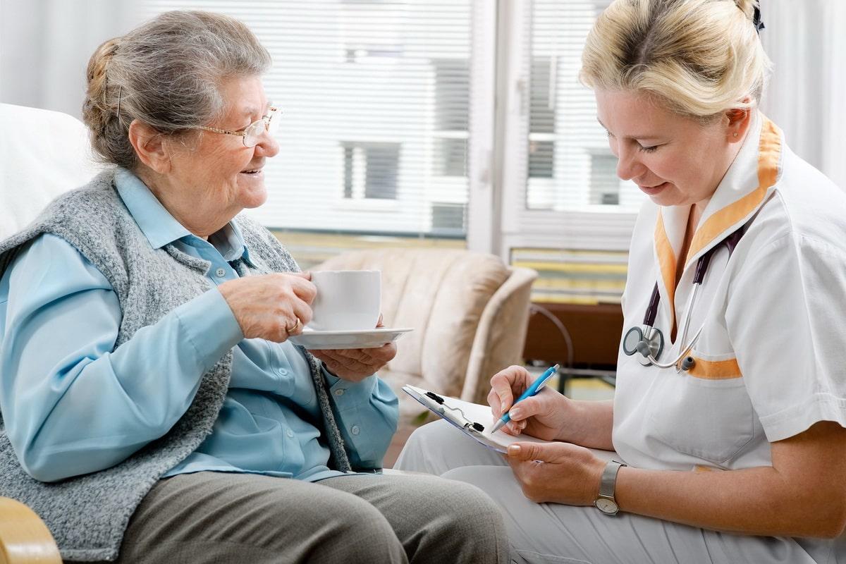 uhod-za-bolnymi-demencziej.jpg