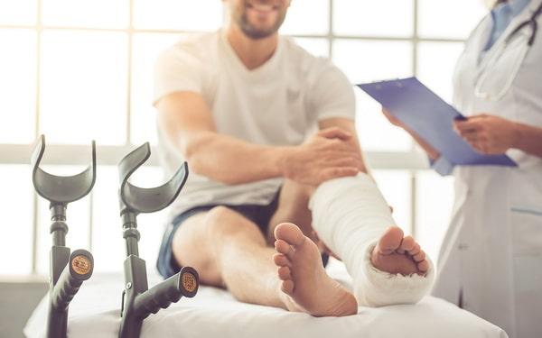 Симптомы переломов ноги