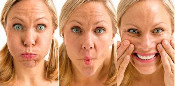 Больному разрабатывать мимику лица