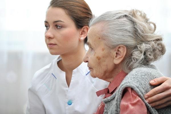обязанности сиделки Альцгеймера