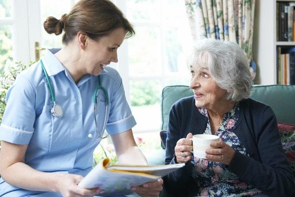 Стоимость услуг сиделки для больного Альцгеймером