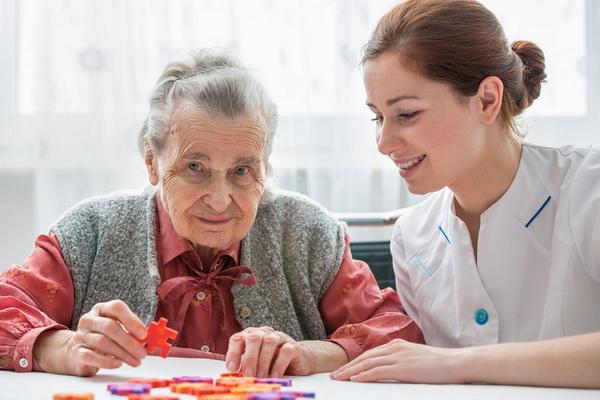 Чем занять больных деменцией дома