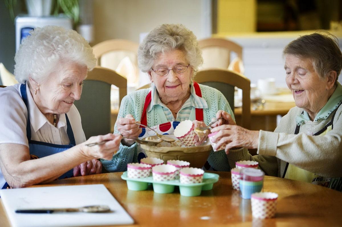 chto-delat-pensioneru-na-pensii.jpg