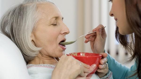 Рецепты блюд для лежачих пациентов без зубов