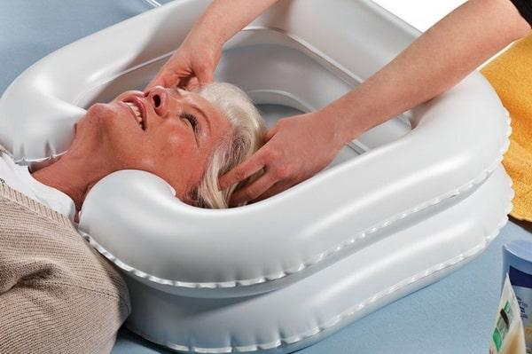 Надувная ванночка для мытья головы