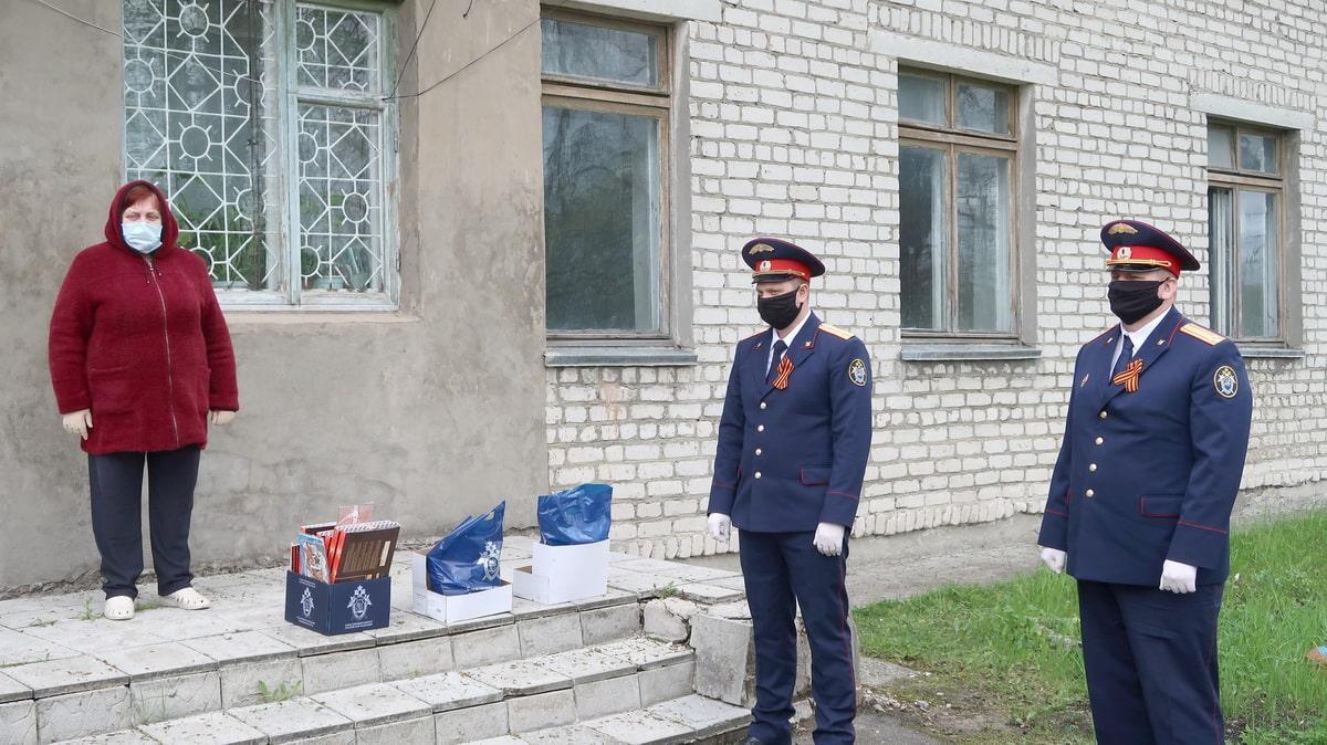 postoyalczev-doma-prestarelyh-navestili-bryanskie-sledovateli.jpg