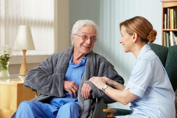 Отказ родственников от опеки над пенсионером